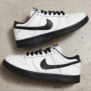 RARE 2005 Nike Dunk Low 'Black/White'